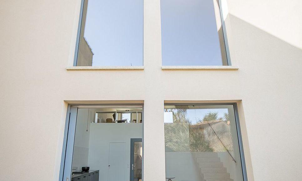 ST MAXIMIN - Maison de ville T5 de 146 m2 - Cour intérieure : Photo 4
