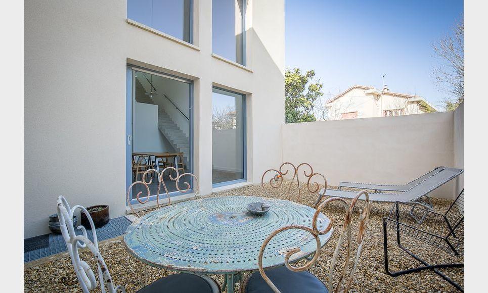 ST MAXIMIN - Maison de ville neuve T5 de 146 m2 - Cour intér : Photo 5