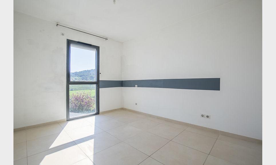 AIX SUD - T5 de 117 m2 - Dernier étage - Terrasse - Garages : Photo 7