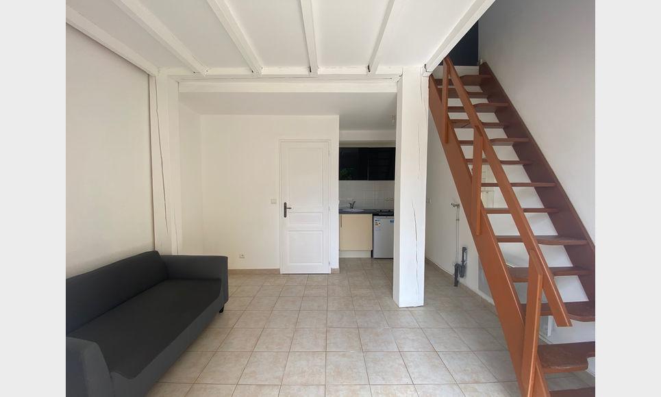 AIX SUD - T2 de 37,83 m2 habitable - Duplex avec jardin : Photo 1