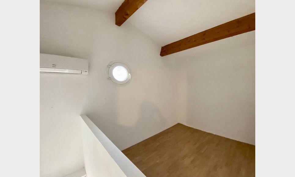 AIX SUD - T2 de 37,83 m2 habitable - Duplex avec jardin : Photo 4