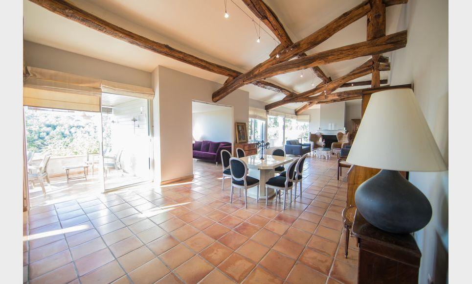GOLF DE BARBAROUX - Villa T8 de 261 m2 - Terrain 2457 m2 : Photo 6
