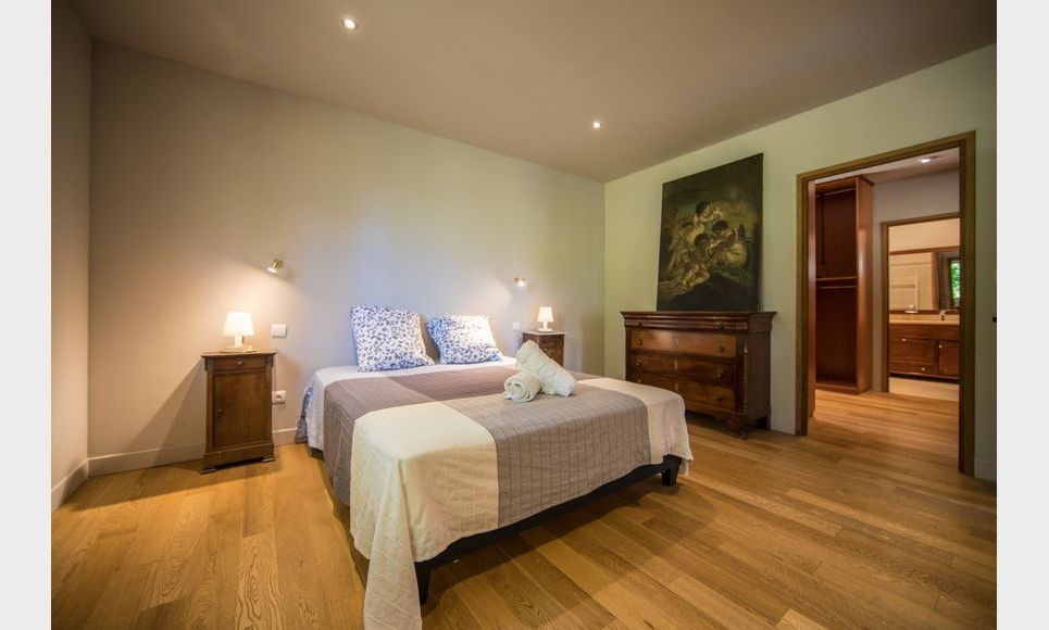 GOLF DE BARBAROUX - Villa T8 de 261 m2 - Terrain 2457 m2 : Photo 7