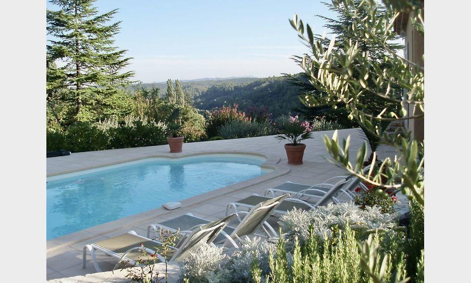 VARAGES - Villa T6 de 189 m2 - Superbe vue panoramique