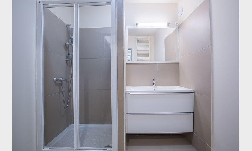 AIX EN PROVENCE - T2 de 49,6 m2 - Parfait état : Photo 5